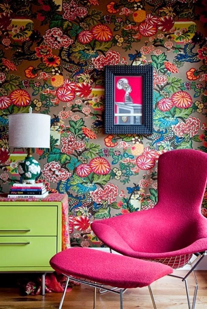 Bright Vintage Floral Wallpaper Pattern