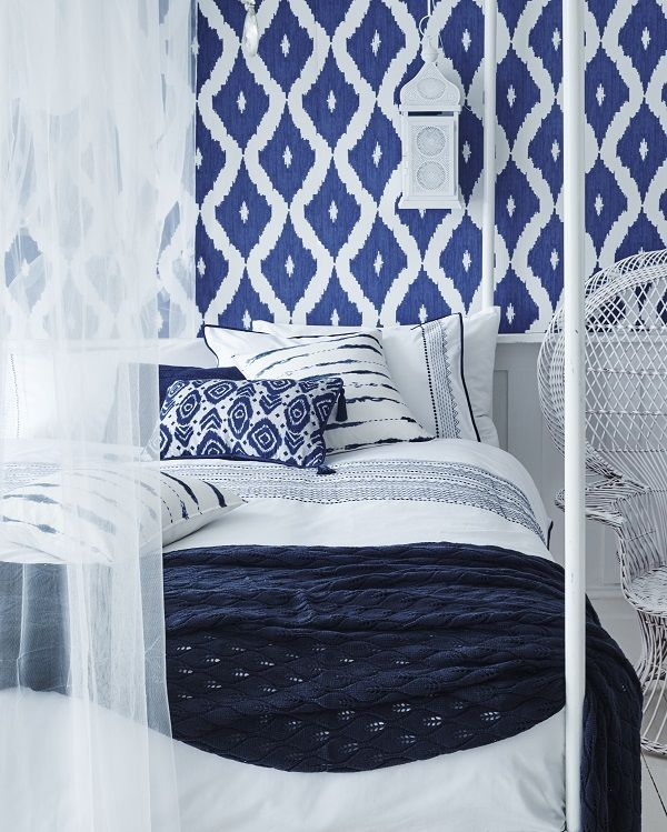 Sumer themed wallpaper adds color joy, blue, white