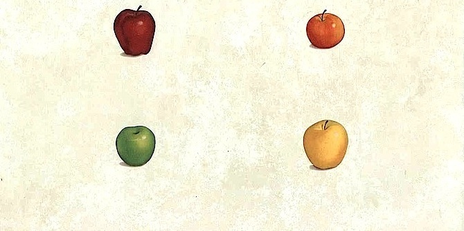 Apples Vintage Wallpaper on a Cream Textured Background