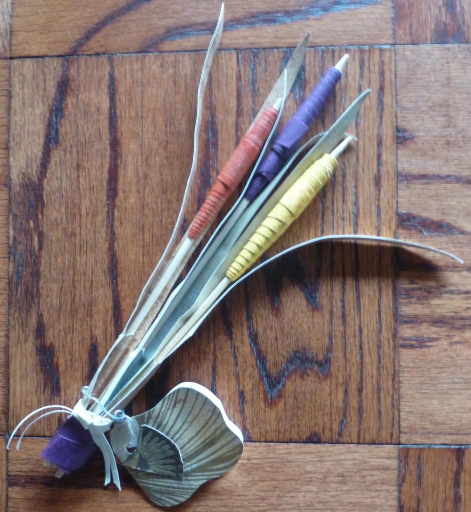 wallpaper cattail flower arrangement