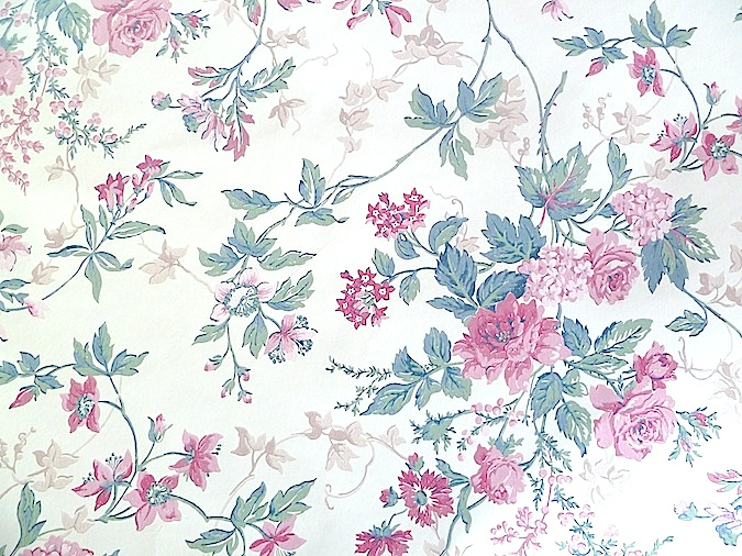 Cottage Floral Vintage Wallpaper Pink Green Beige Cream Ha4062