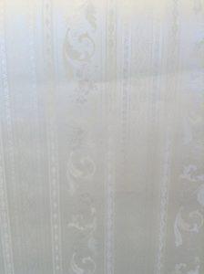 wallpaper satin stripe floral scroll, white