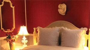 Bedroom red wallpaper